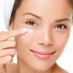 Как ухаживать за кожей вокруг глаз и быть неотразимой?