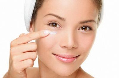 Как ухаживать за кожей вокруг глаз и быть всегда неотразимой?