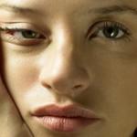 Отеки под глазами: причины «потери» лица