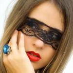 Маски от темных кругов под глазами: 7 волшебных рецептов