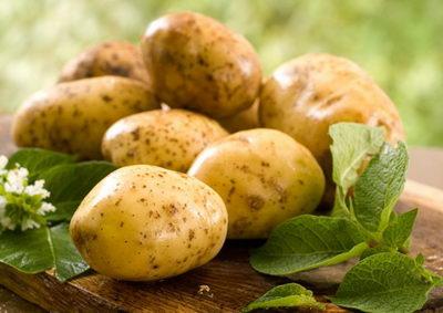 Маска из картофеля снимет усталость и подарит сияющий цвет коже