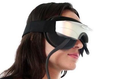 Массажер для глаз Gezatone помогает в профилактике глазных болезней, воздействует на акупунктурные точки и оказывает косметических эффект