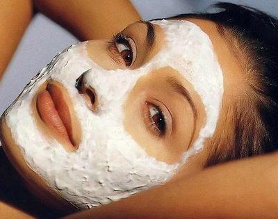 Белая глиняная маска