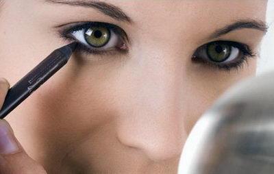 Макияж глаз карандашом, способы его нанесения