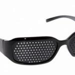 Очки с дырочками – проверенное решение проблем со зрением