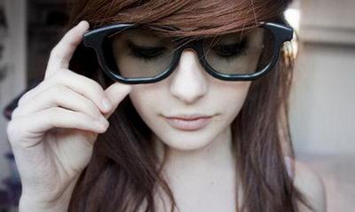 Средства от синяков под глазами: выбор крема, домашние рецепты