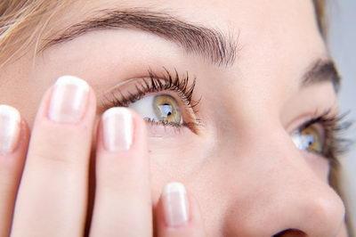 Уход за кожей с морщинами вокруг глаз