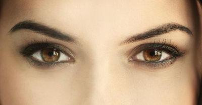 Как сделать макияж для карих глаз? Правила нанесения