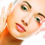 Массаж лица в домашних условиях способен решить массу проблем с внешностью