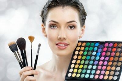 Тональное средство для выделяющегося макияжа