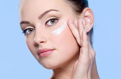 Крем для контура глаз при правильном макияже