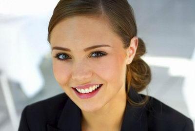 стиль деловой женщины: как подобрать прическу и ммакияж?