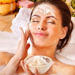 Питательные маски для лица дома вернут упругость коже