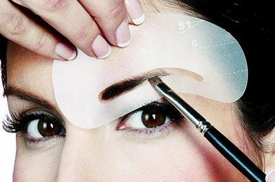 Как сделать идеальные брови? Выщипывание, услуги профессионала, домашний уход