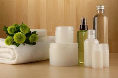 Средства по уходу за кожей: сыворотки, крема, масло для загара