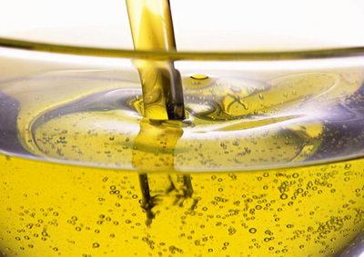 Как использовать вазелиновое масло для ресниц?
