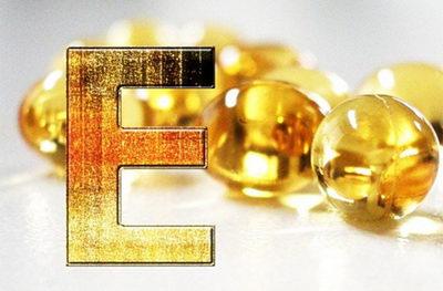 Витамин Е для роста и укрепления ресниц