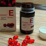 Витамин Е для ресниц: польза, применение, отзывы