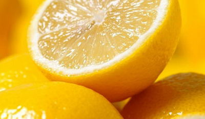 Лимонная маска для кожи около глаз