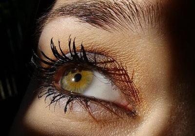 Как определить характер девушки по цвету глаз?