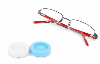 Что выбрать линзы или очки? Что лучше?