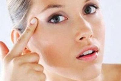 Как выбрать крем против морщин вокруг глаз?