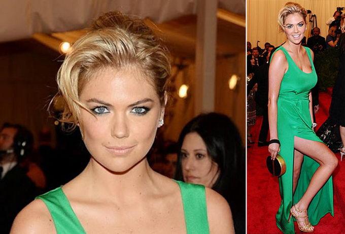Макияж для блондинки в зеленом платье