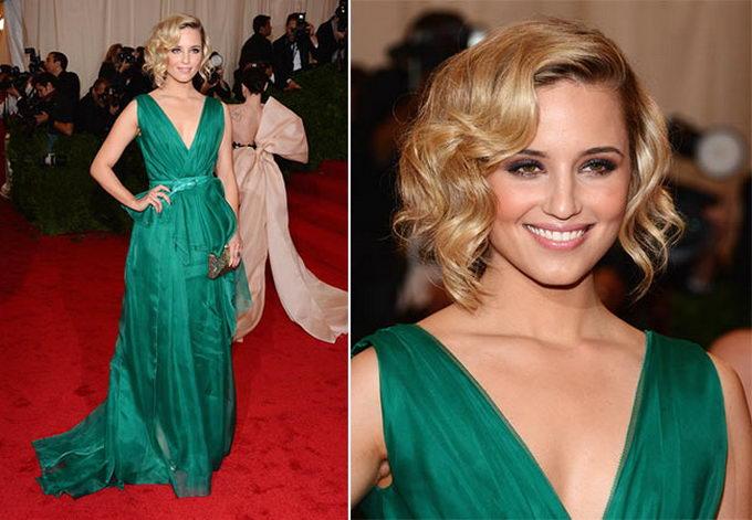 Вечерний макияж для блондинок к зеленому платью