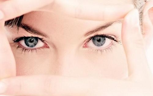Лифтинг кожи вокруг глаз дома